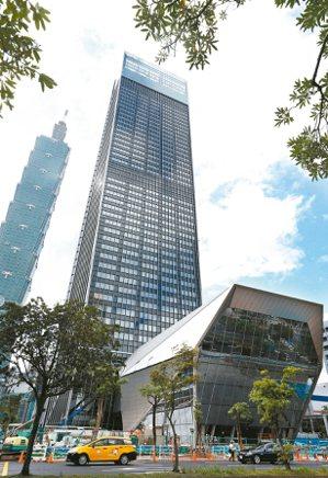 商辦租賃市場持續熱絡,國際精品業者Chanel租下台北南山廣場內高樓段的整層空間...