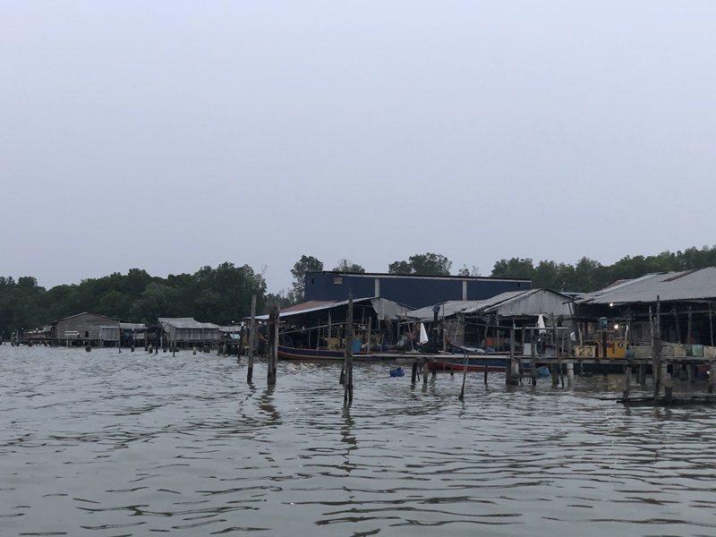 十八丁的河岸風情。 圖/許晉榮攝影
