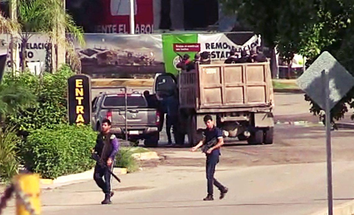 近年來,在美墨毒品戰爭「血流成河式」的強力掃蕩下,墨西哥的幾大毒梟集團紛紛因首腦...
