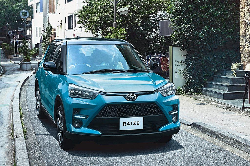Toyota Raize空重最輕只有970kg(四驅車型為1,040kg),懸吊...