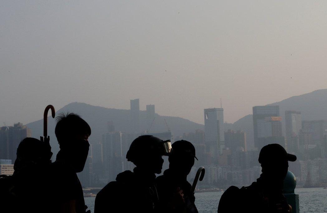 若香港問題無法安頓下來,可能會引爆中國經濟崩潰。 圖/路透社
