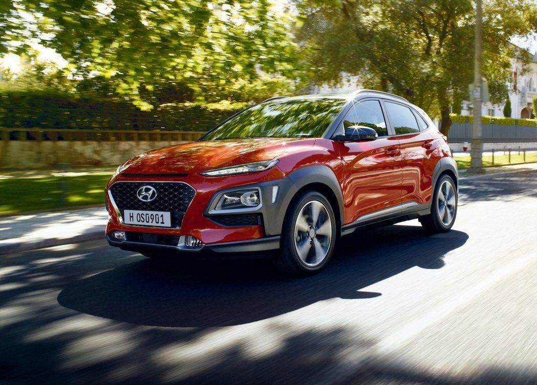 Hyundai KONA搶眼大膽的新世代外型設計深獲市場好評肯定,新年式加贈車連...