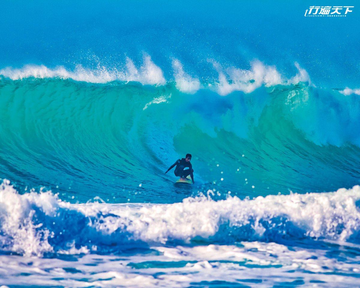 浪好的日子,總會有追浪者拿起浪板逐浪去。