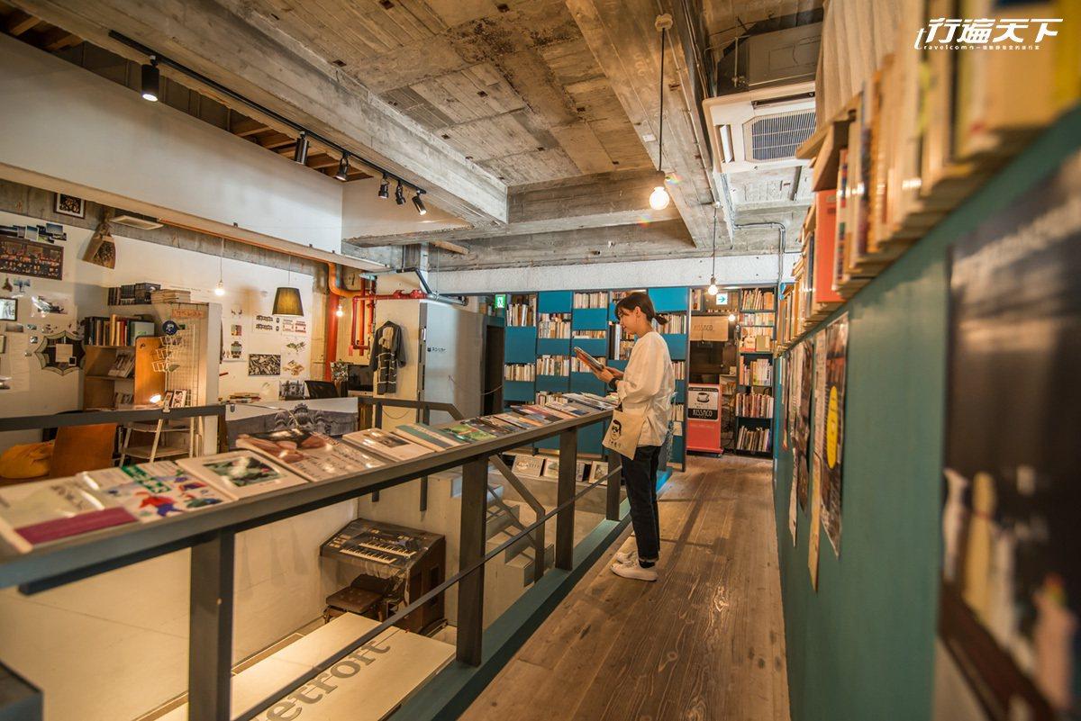 藏在裏頭的古書店,店老闆精選的歷史與鹿兒島書籍讓人喜歡。