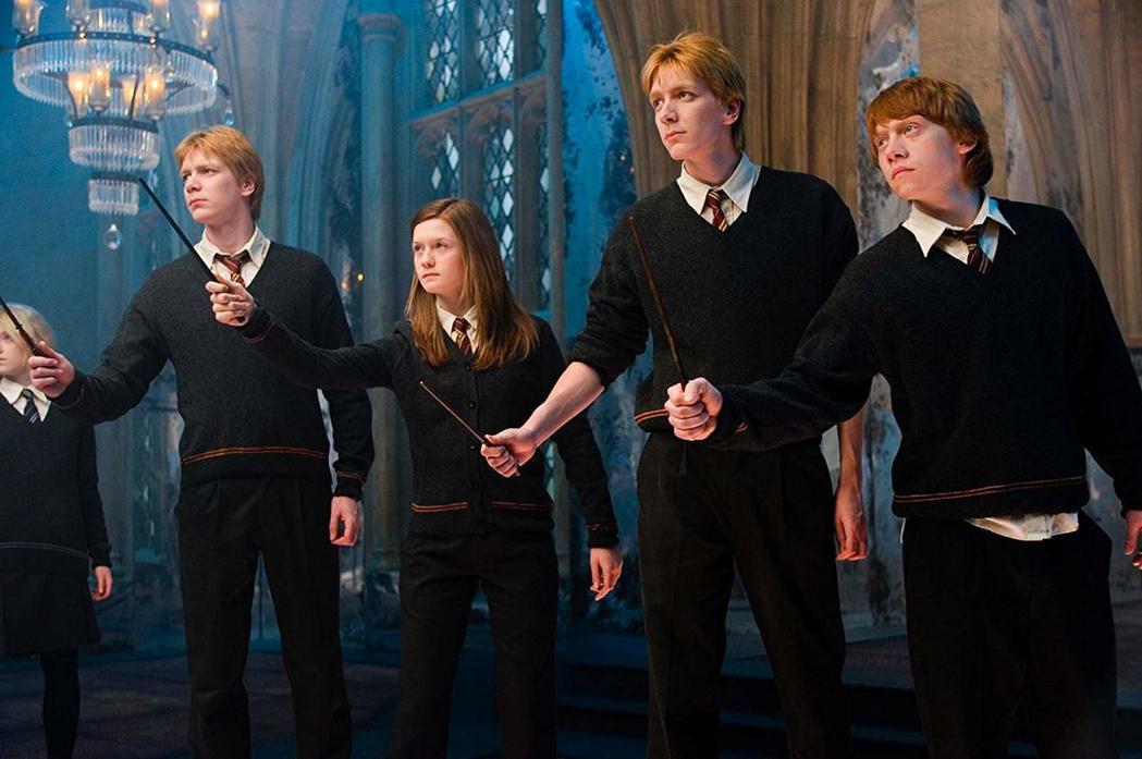 伊凡娜林奇(左起)、菲爾普斯雙胞胎、邦妮萊特、魯伯葛林年少時曾在「哈利波特」系列