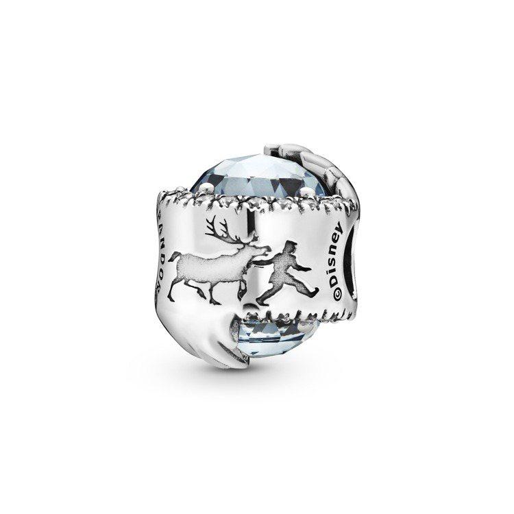 Pandora冰雪魔法925銀夜空藍水晶串飾、3,680元。圖/Pandora提...