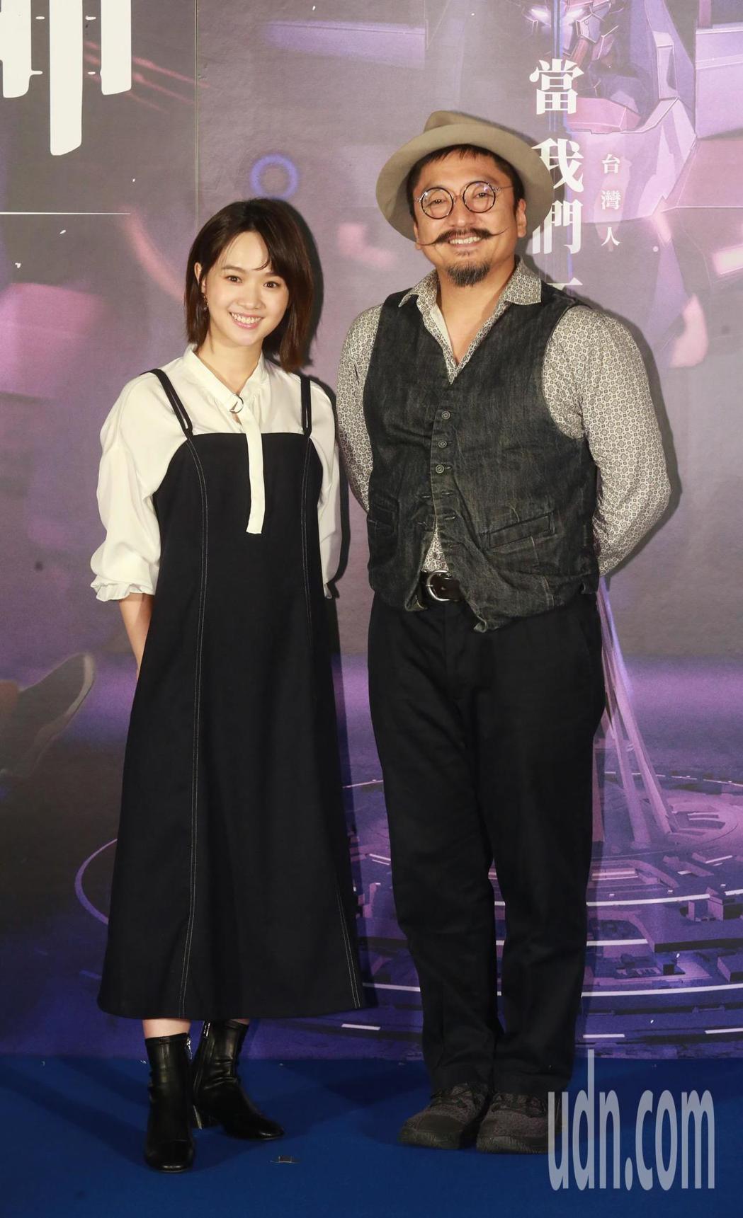首次為動畫電影配音的演員嚴正嵐(左)與導演北村豐晴(右)。記者黃義書/攝影