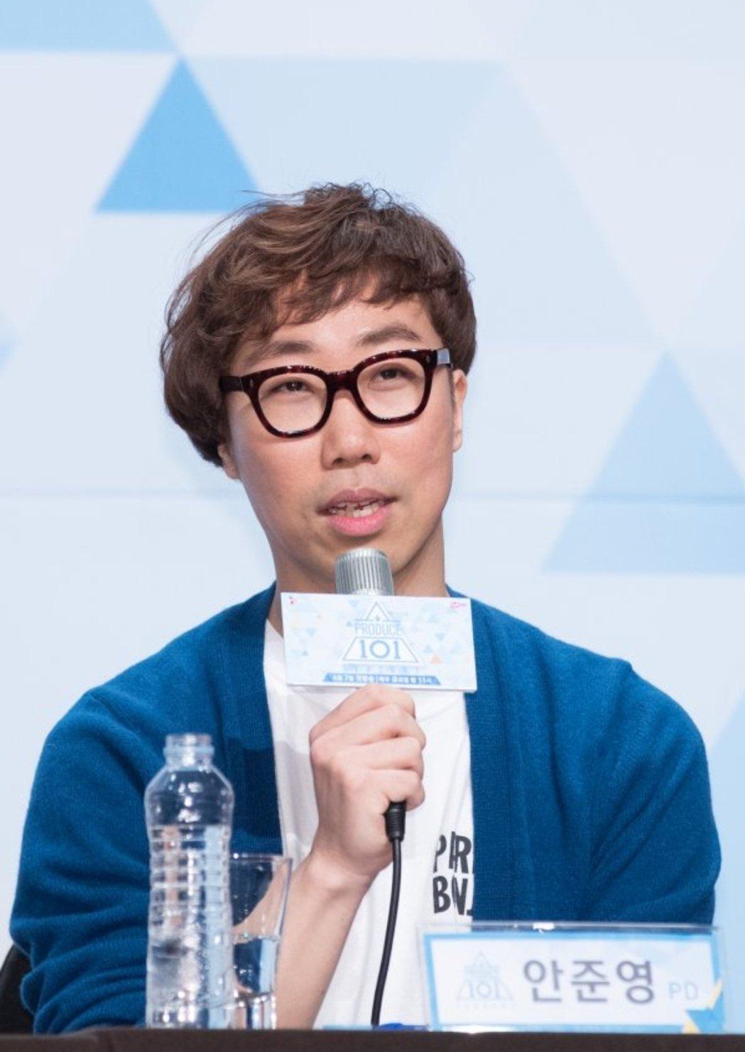 製作人安俊英在節目中呼風喚雨。圖/摘自CJ娛樂