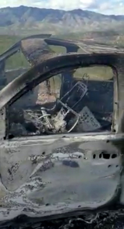 萊巴倫家族的車輛4日遭縱火,燒得面目全非。(路透)