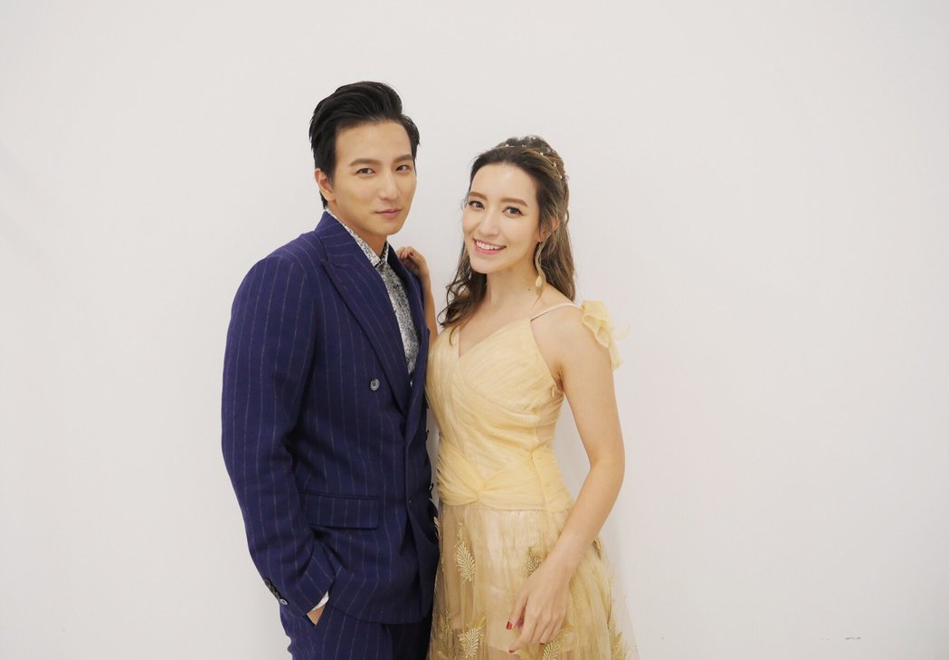 Lara和小煜在南京為「陳情令」獻聲。圖/新湃傳媒提供