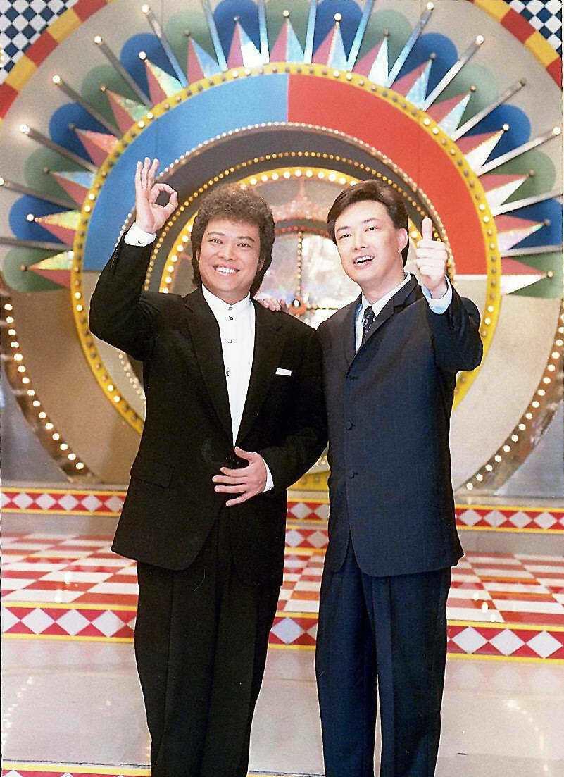張菲(左)與費玉清曾一起主持「龍兄虎弟」。本報資料照片