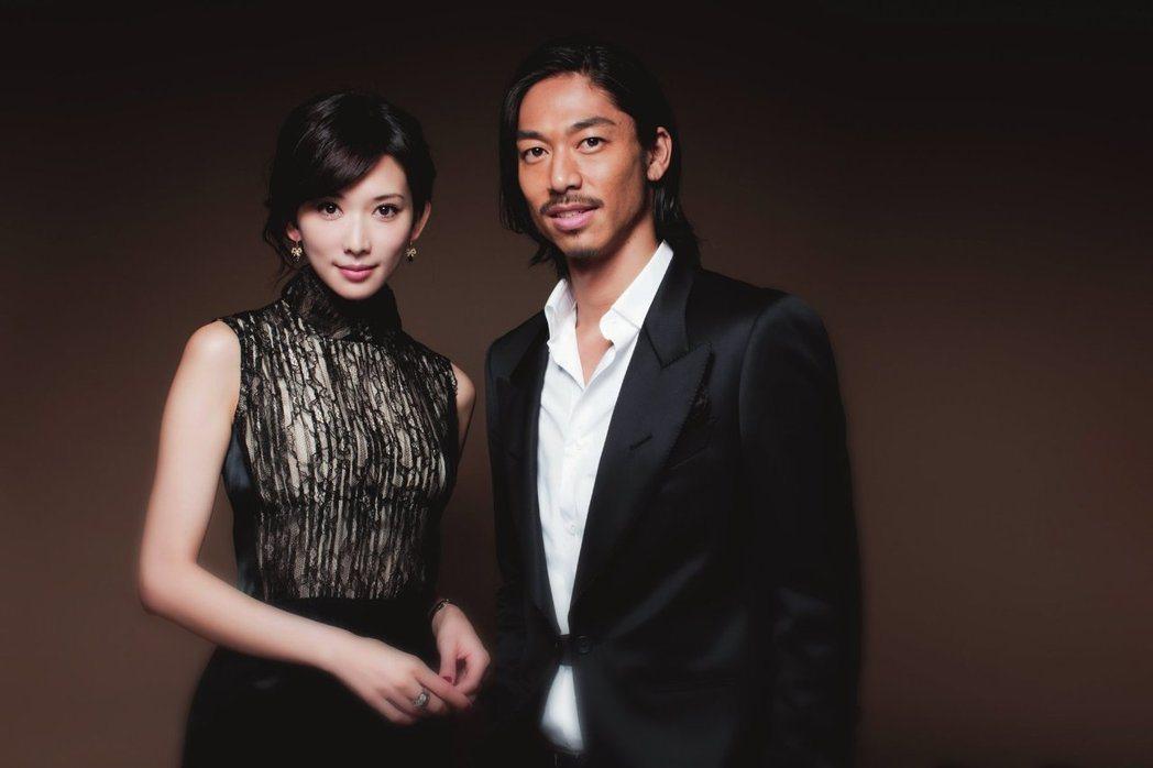 林志玲與新婚丈夫Akira。圖/LDH提供