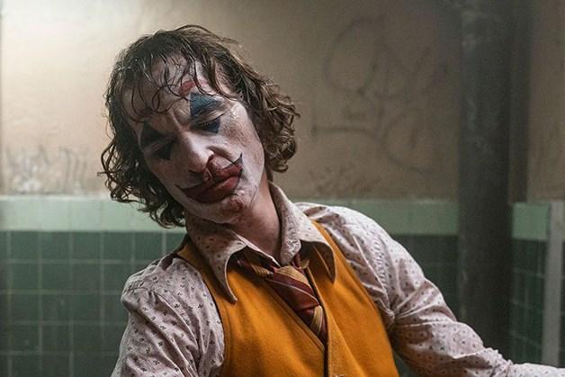 善意最終成惡意《小丑》成魔路上沒有人傾聽,無法辯解