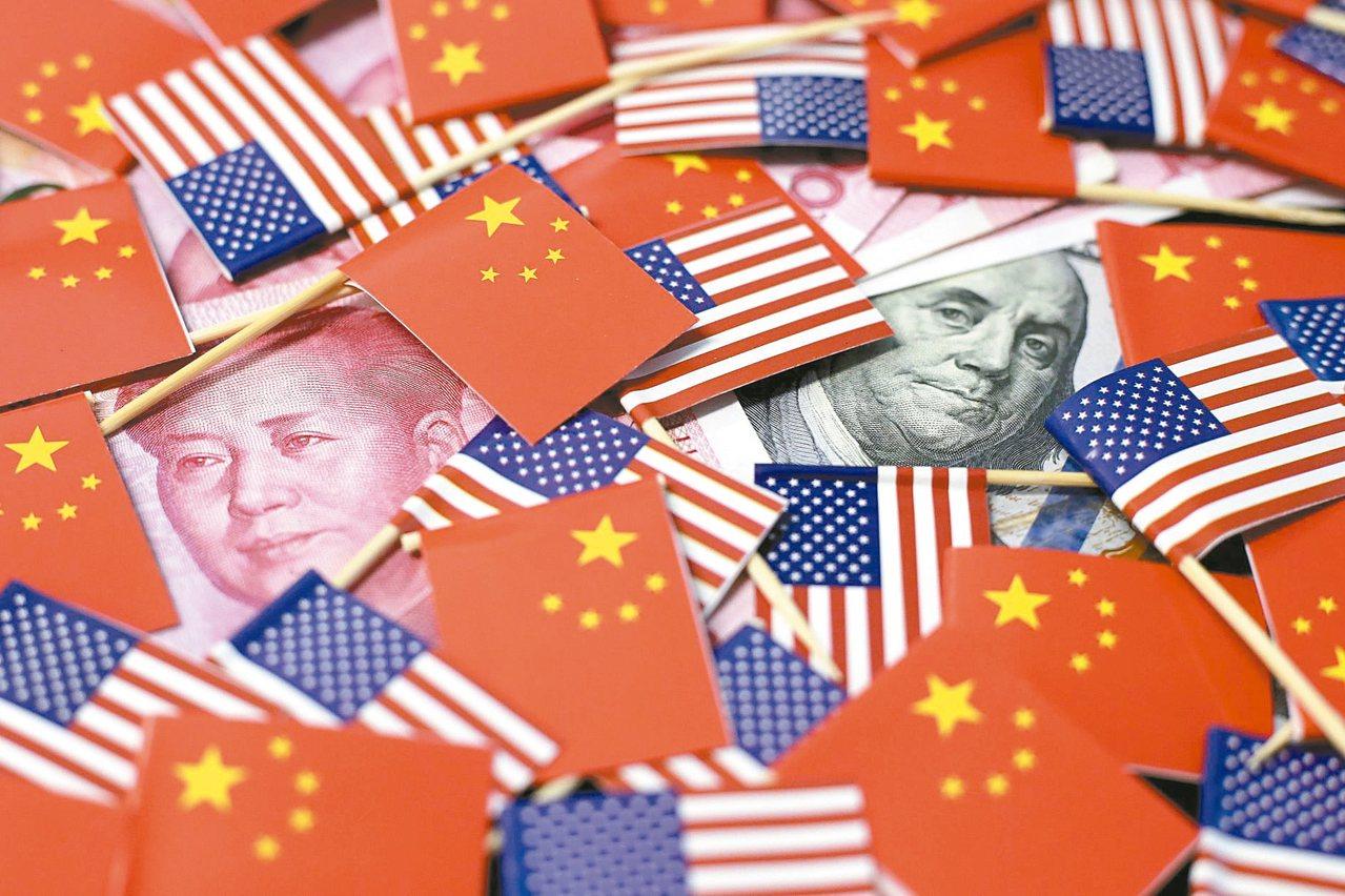 雖然上半年增加42億美元,但台灣對美出口增加金額還不足以彌補對大陸與香港出口減少...