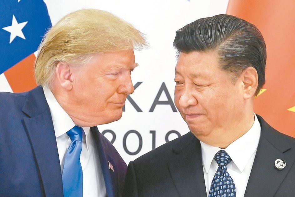 美國總統川普(左)與大陸國家主席習近平(右)的態度,將決定雙邊貿易戰的走向。 美...
