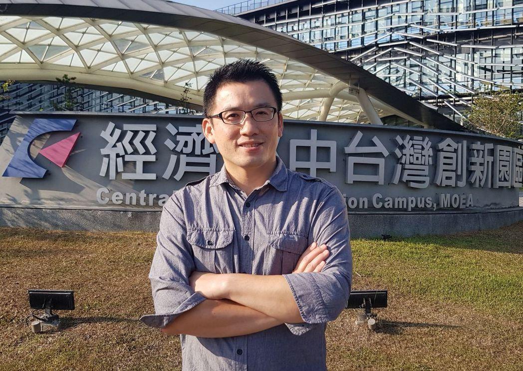 本身為能源專家的沼氣發電推動計畫辦公室主任李志杰博士,致力投入沼氣發電,提升協助...