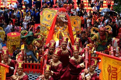 宗教組織無法管,宮廟成中國統戰死角?