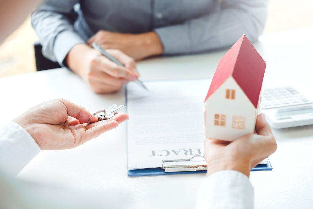 一名網友在27歲時就揹下超過家庭收入的房貸,但卻認為這是自己做過最正確的決定。...