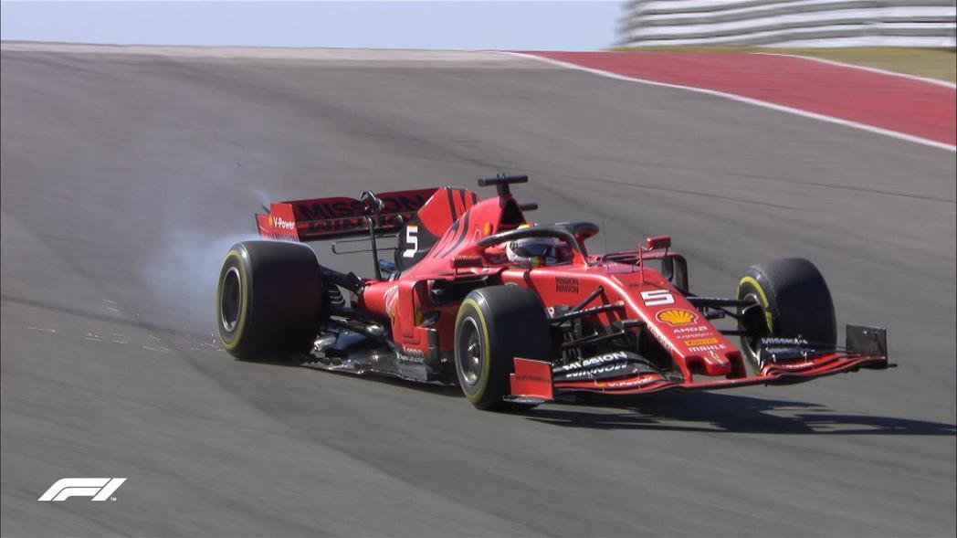 Vettel在比賽途中賽車懸吊突然發生斷裂。 摘自F1