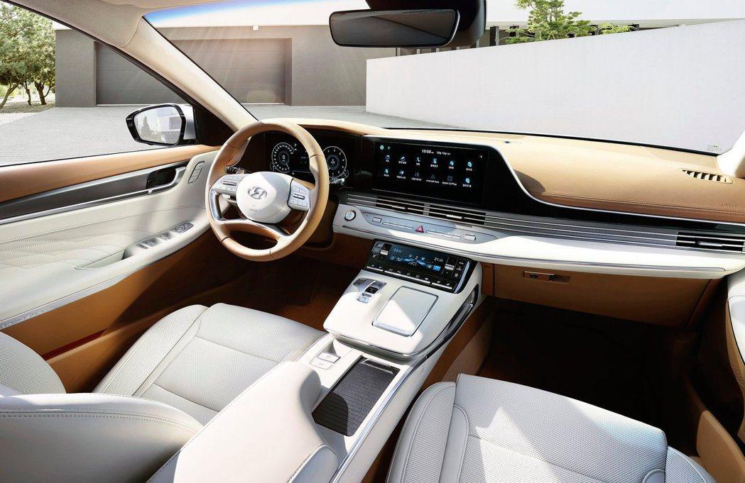 小改款Hyundai Grandeur內裝質感大升級。 摘自Hyundai