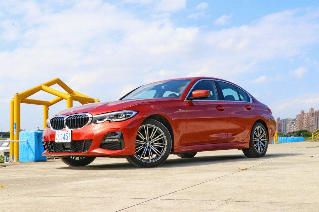 BMW 320i M Sport相當適合作為熱血爸爸的家庭用車。 記者陳威任/攝...