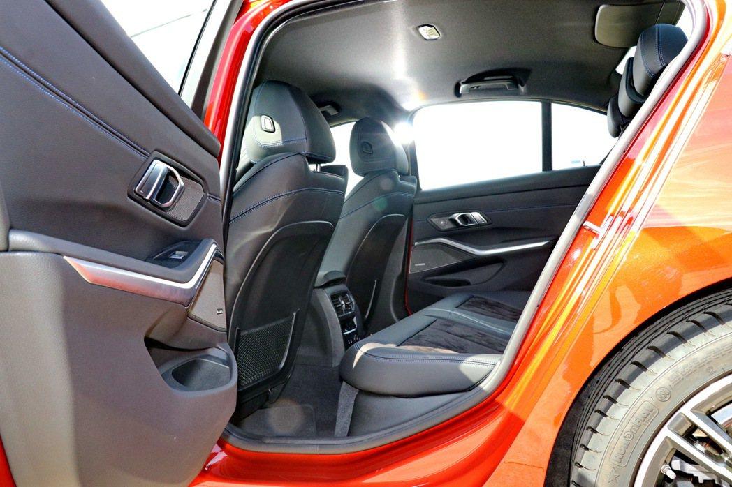 隨著軸距增加,全新BMW 3系列的乘坐表現有所提升。 記者陳威任/攝影