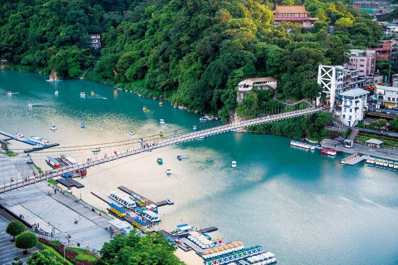 國家級生態保護景觀就在身旁,碧潭吊橋、新店渡口文學步道、和美山自然步道、陽光運動...