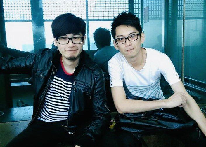 高天恒(左)與張宋耀就讀研究所時期創立「刺點創作工坊」(圖/張宋耀 提供)