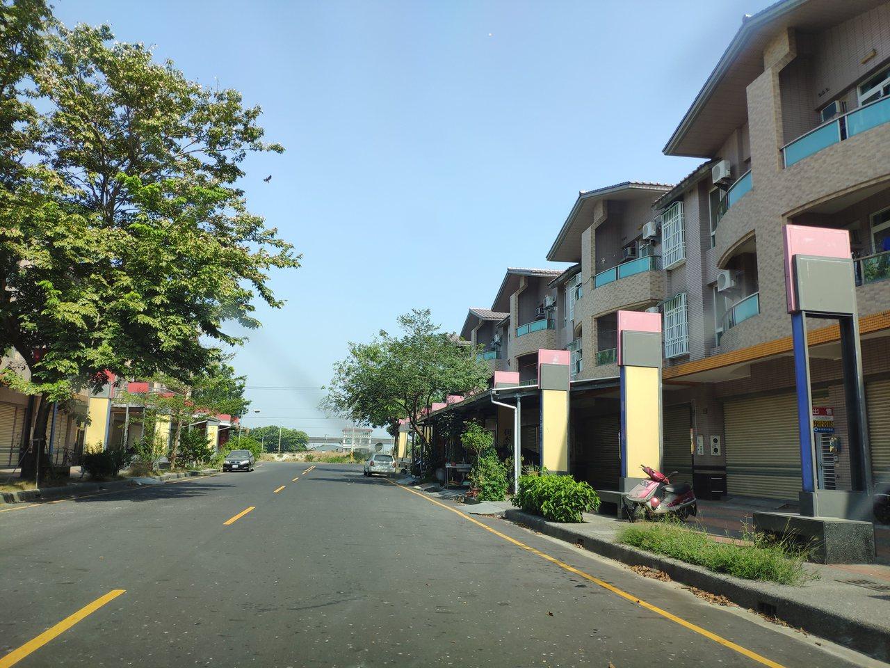 真理大學台南麻豆校區宿舍區,白晝寂靜如空城。記者謝進盛/攝影