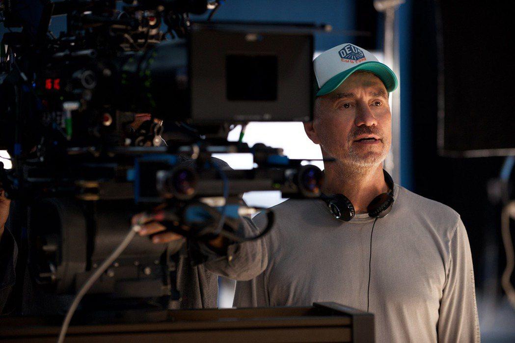 羅蘭艾默里奇相隔多年拍攝的「ID4星際重生」全球評價票房都失利。圖/福斯提供