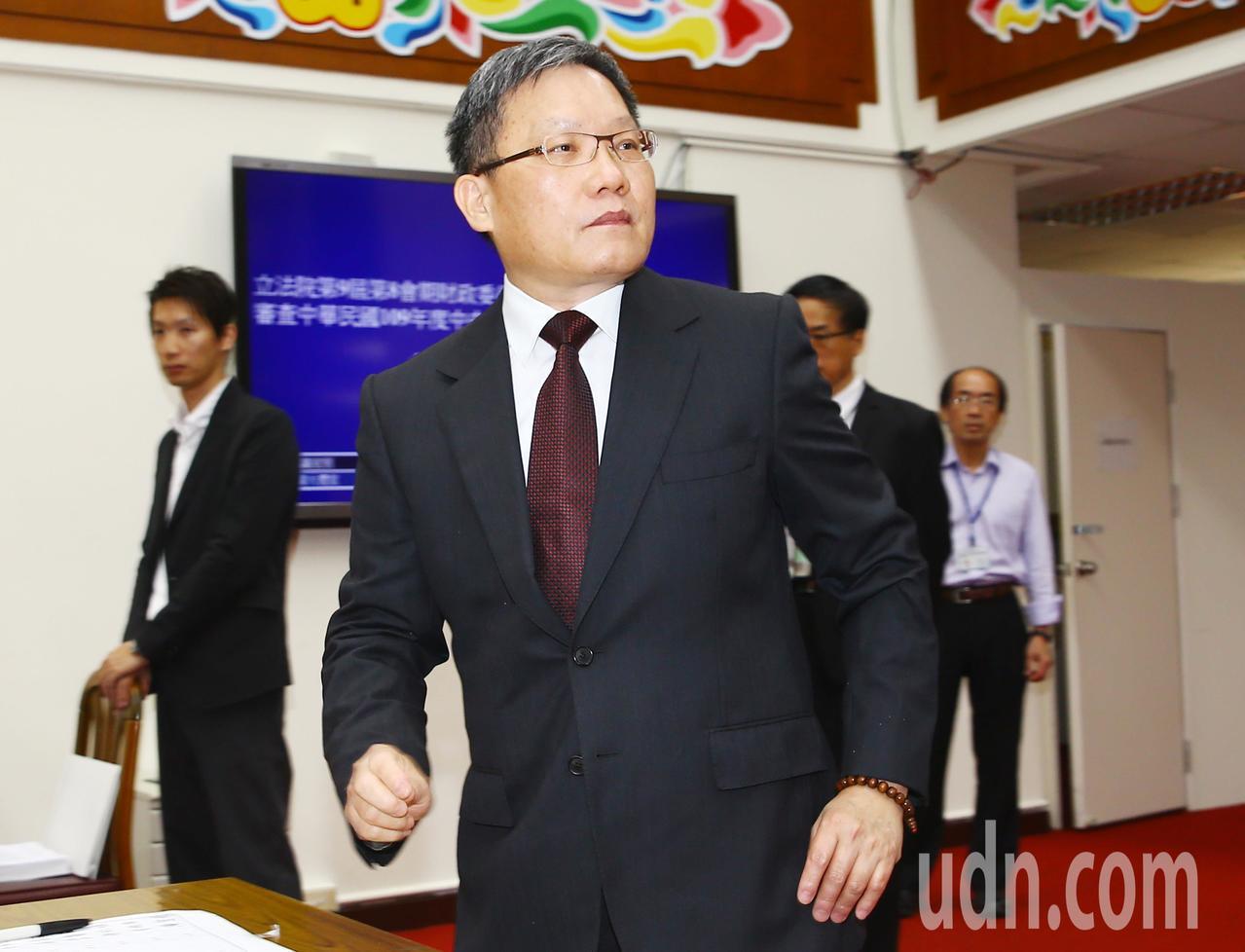 美中貿易戰影響,蘇建榮指出,對產業結構會有很大轉變,整體而言對台灣是較為正面的發...