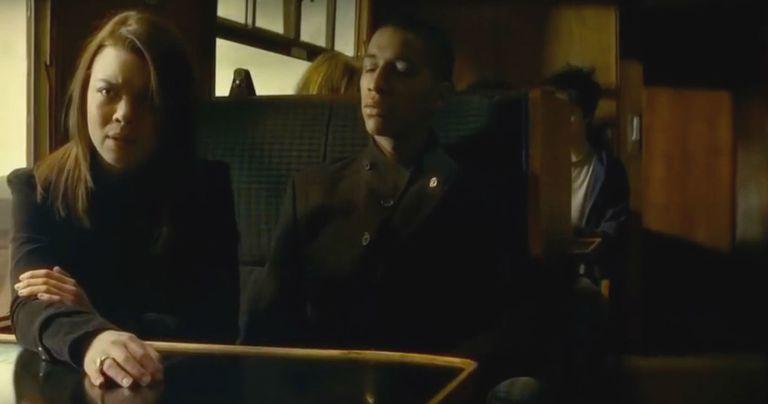 史嘉蕾拜恩(左)曾為「哈利波特」系列演史萊哲林學院惡女潘西帕金森。圖/摘自imd