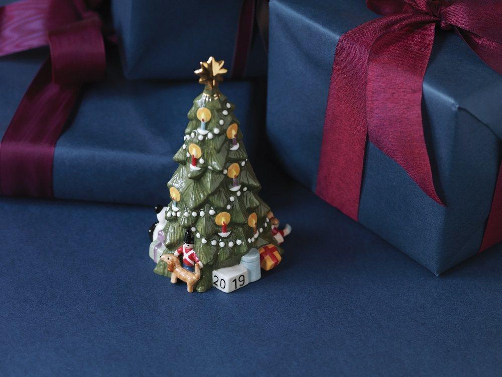 皇家哥本哈根推出的耶誕樹小擺飾。圖/皇家哥本哈根提供