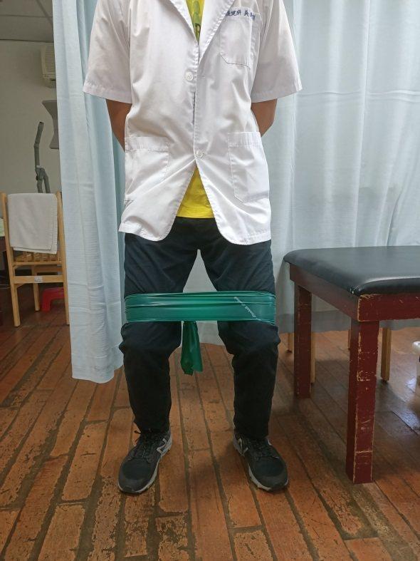 上班族久坐臀部缺乏運動變的又扁又塌,物理治療師提供三招練出蜜桃臀。圖/南投醫院提...