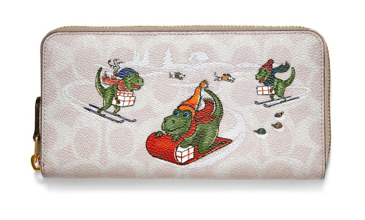 Holiday系列恐龍鱷魚長皮夾,價格未定。圖/COACH提供