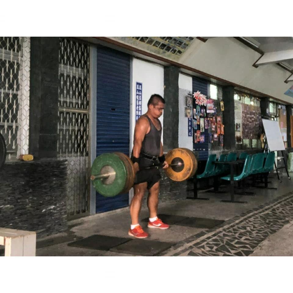 體重116公斤的特戰士官戴吉雄,靠低油低糖飲食加上運動,5個月內減去35公斤,恢...