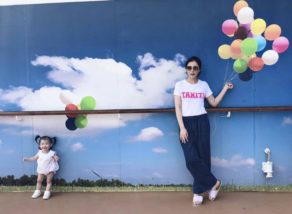 陳怡蓉老公在信義區將蓋新診所,據知數億房產登記在老婆名下。圖/摘自臉書