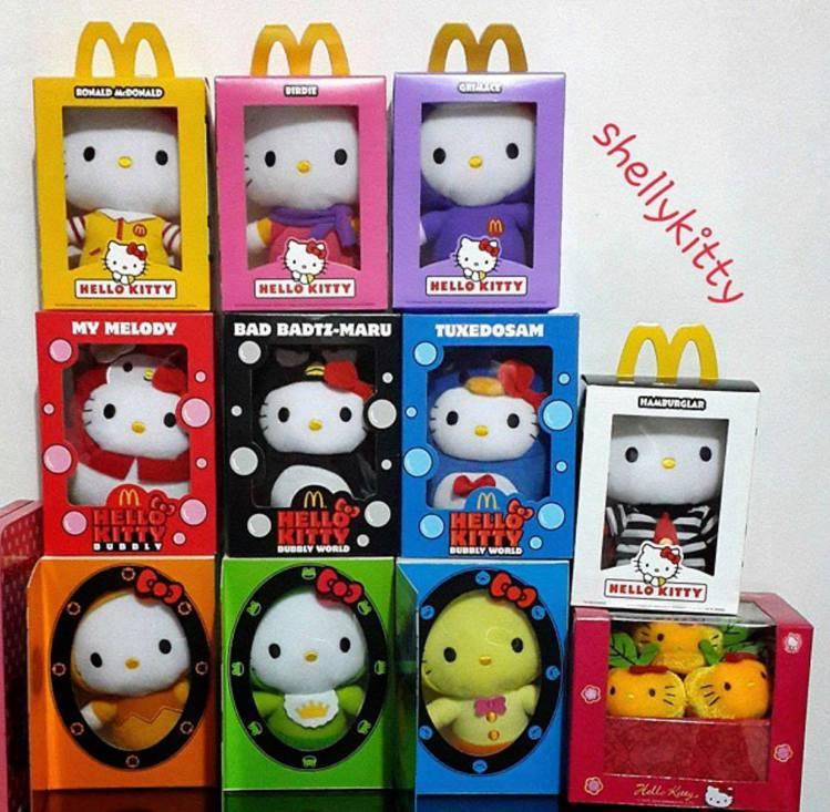 限定版Hello Kitty玩具,當年吸引許多貓奴漏夜搶購。圖/取自IG:she...