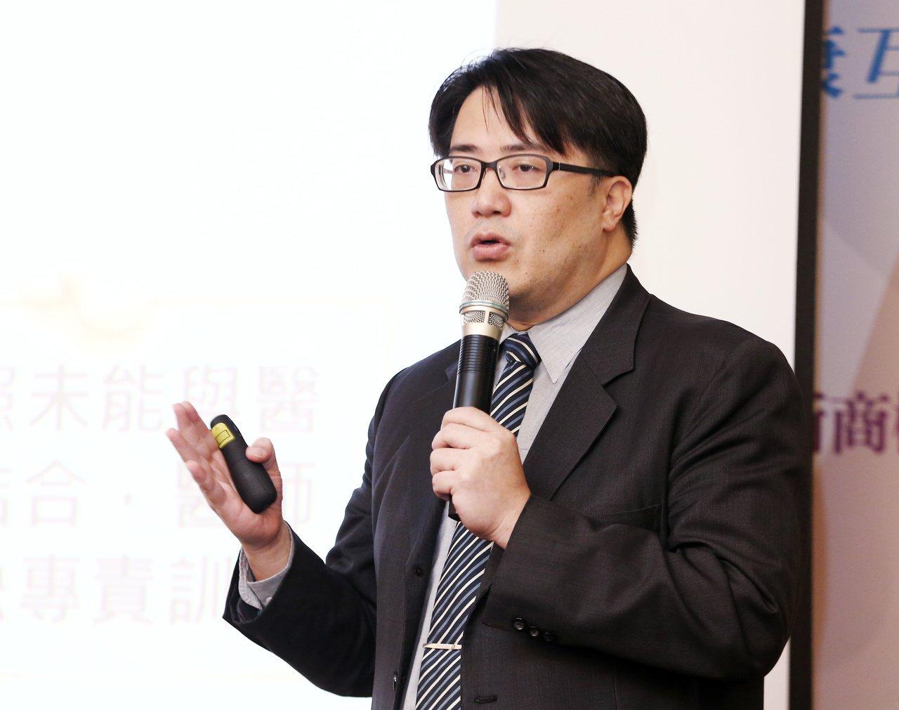 長照有議見專家會議,台北榮總高齡醫學中心主任陳亮恭出席。記者曾原信/攝影