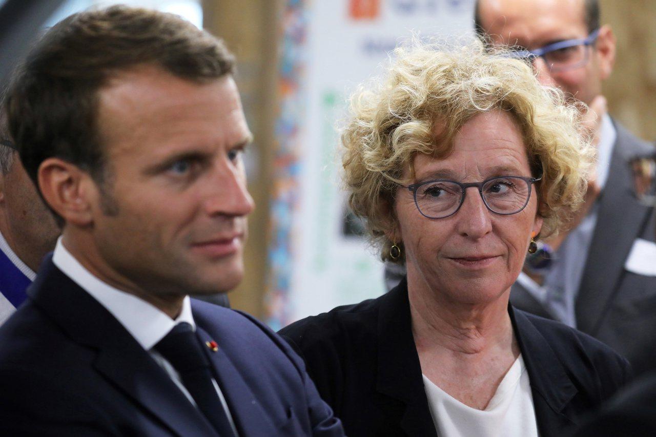 左圖為法國總統馬克宏,右圖為勞工部長佩尼戈(Muriel Pénicaud)。路...