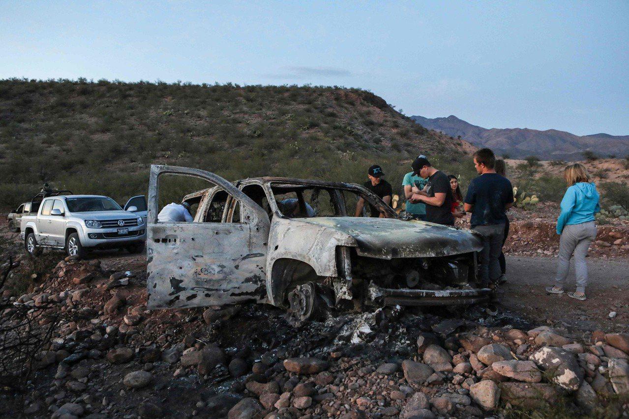 美國摩門教萊巴倫家族成員4日在墨西哥北部遇襲,造成九名婦孺死亡,兇手作案後放火燒...
