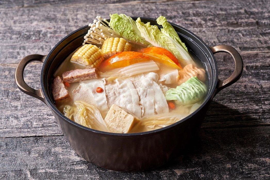潮粵坊老壇酸菜鍋。業者/提供