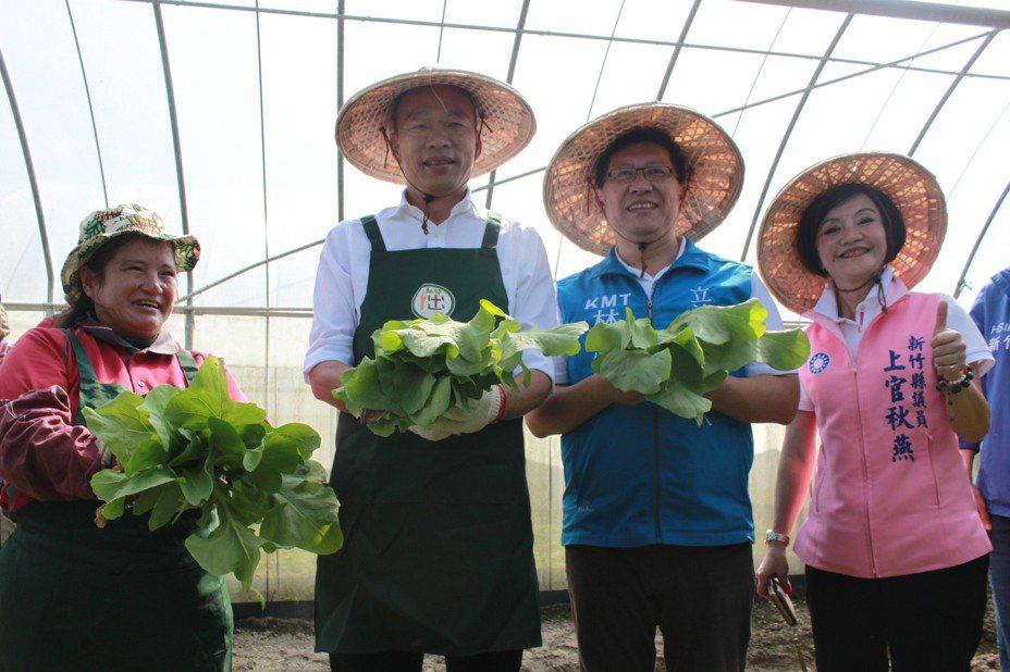 韓國瑜與慢飛天使互動熱絡,更親自與學員們一起種植蔬菜,體驗一日農夫。聯合報系資料照/記者郭政芬/攝影