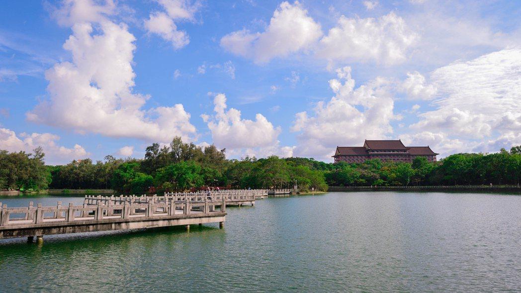 廣達375公頃的澄清湖,是其他城市所沒有的優勝美地。