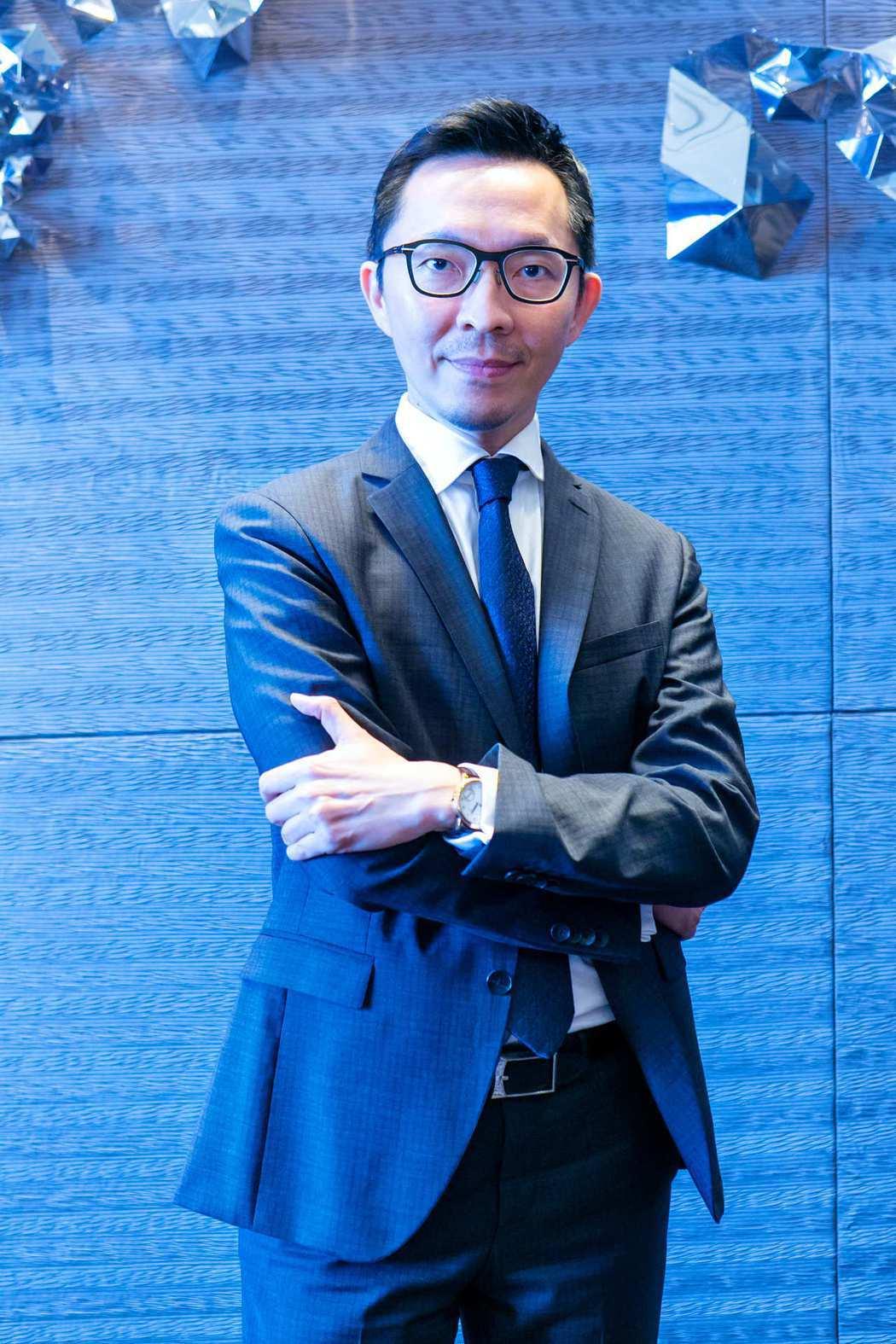 台灣IBM全球企業諮詢服務事業群合夥人李立仁表示:「IBM與凌華科技透過OT、I...