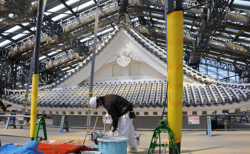 例外的是兵庫縣的世界遺產姬路城,總共就裝設了1,078個灑水器,其中1,032個...