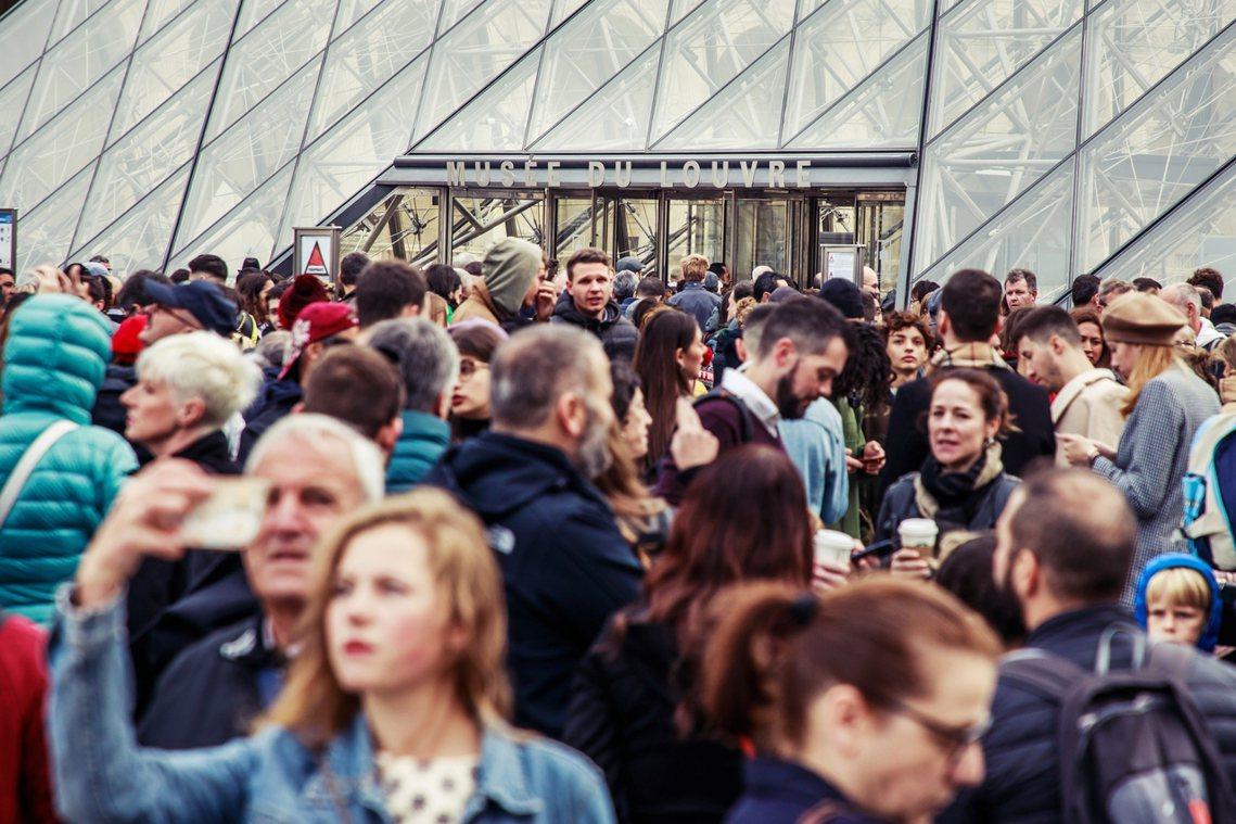 2018年全球共有1,000萬人造訪羅浮宮,比前一年人數成長了25%。羅浮宮官方...