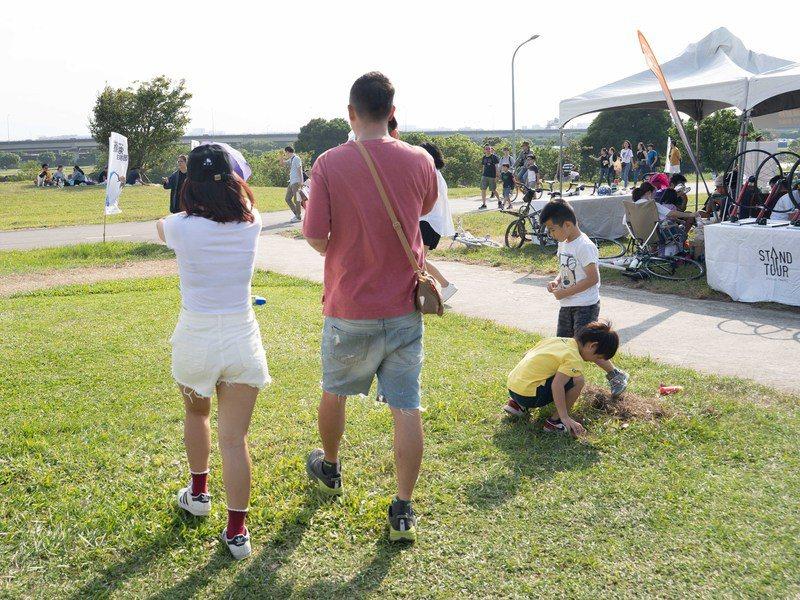 天氣職人吳聖宇表示,週末期間台灣位於乾空氣的影響下,大部分地方天氣穩定、晴到多雲...