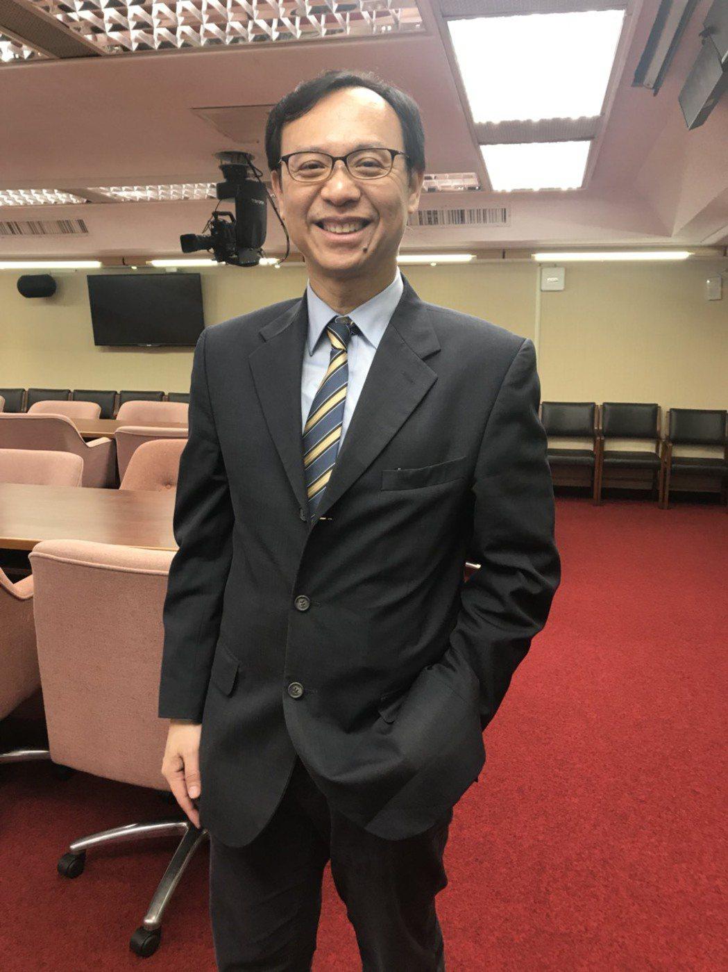 醫事司長石崇良表示,經部內研議後,11月中之前將公告「困難取得兒童用藥調度平台」...