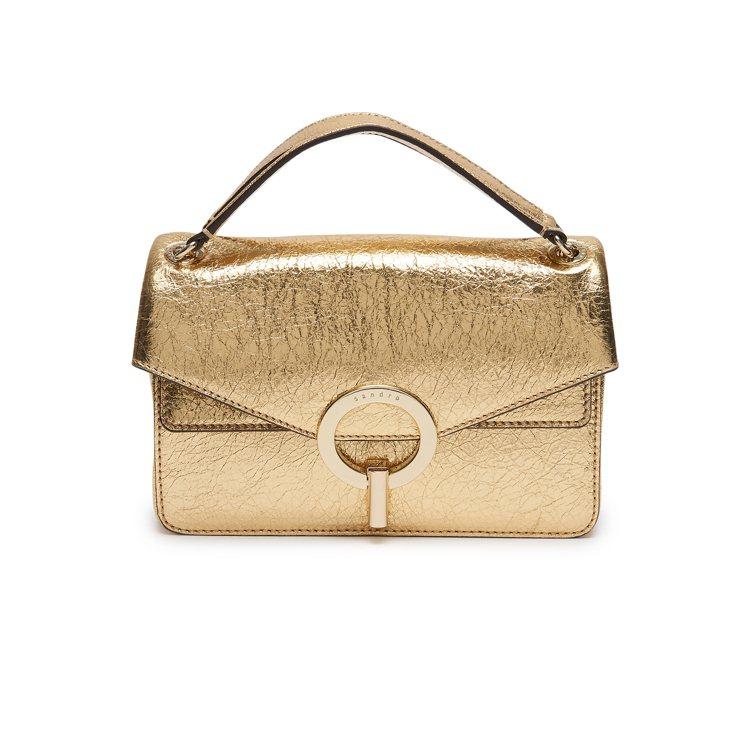 sandro Yza金色手提包,售價12,750元。圖/sandro提供